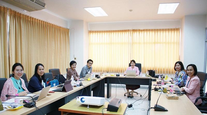ประชุมติดตามผลการดำเนินงาน โครงการการพัฒนาผลิตภัณฑ์แปรรูปสับปะรดและช่องทางการตลาดเพื่อเพิ่มรายได้ให้กับเกษตรกร อำเภอภูเรือ จังหวัดเลย นอกจากนี้ได้ video conference กับทีมหัวหน้าแต่ละหมู่บ้านถึงความก้าวหน้าของโครงการดังกล่าว ฯ
